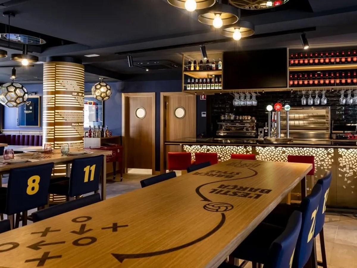 Interior del Barça Cafe